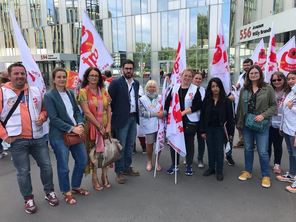 En soutien au personnel de l'EPSM de Bailleul avec Karima Delli, présidente du groupe Pour le Climat et pour L'Emploi au Conseil Régional des Hauts-de-France